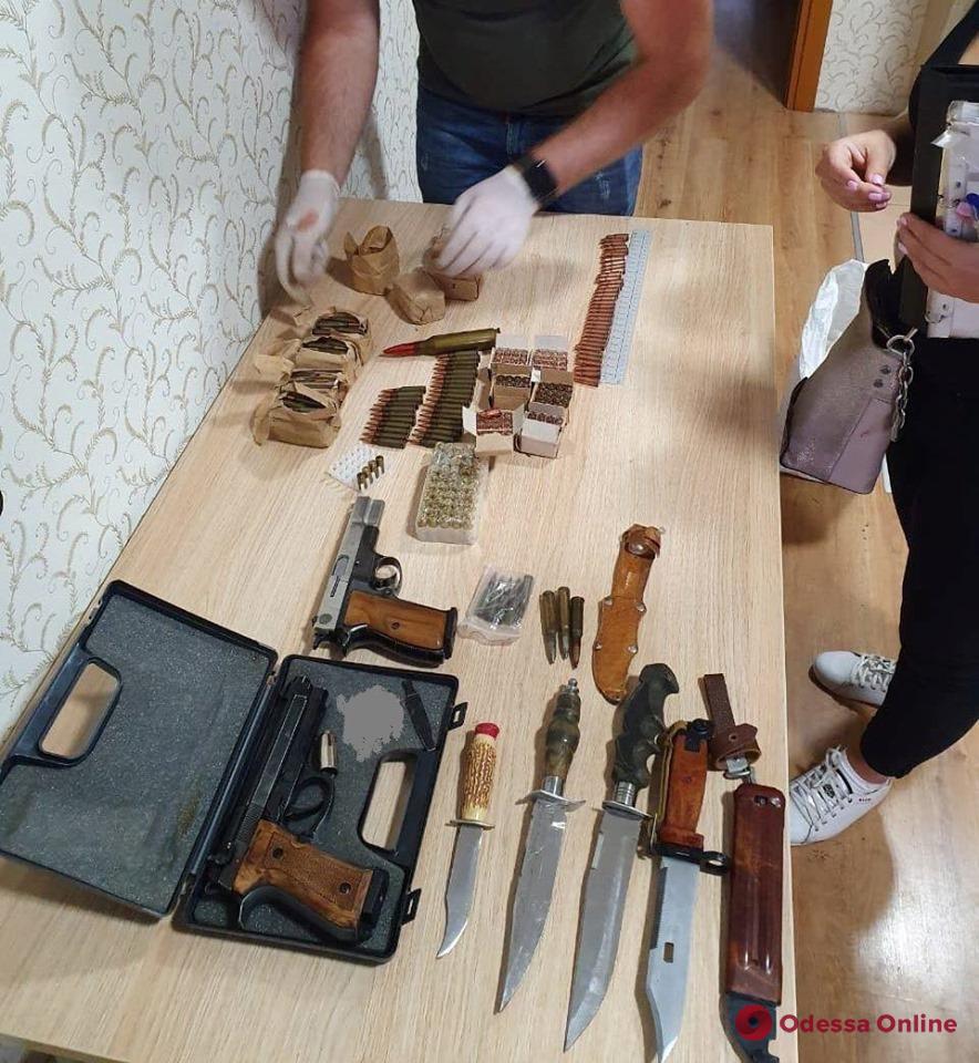 У одессита «забрали» арсенал оружия и боеприпасов