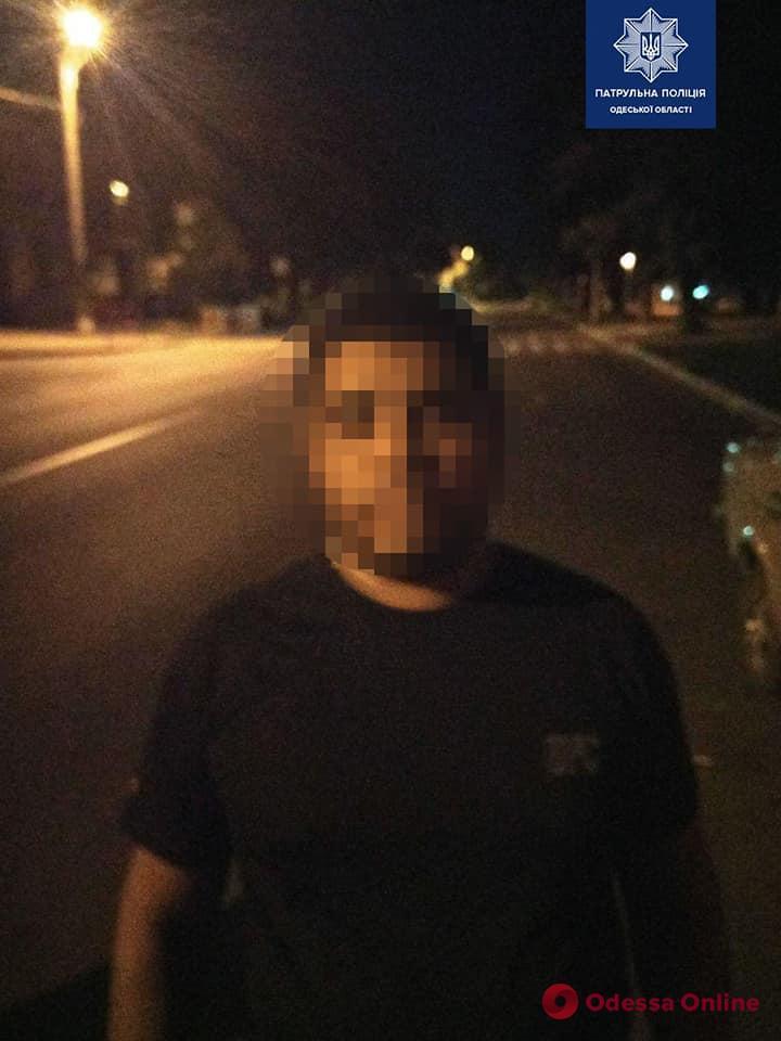 Одесские патрульные задержали пятерых грабителей