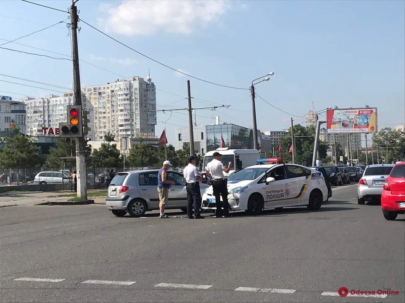 Из-за ДТП на Люстдорфской дороге образовалась пробка