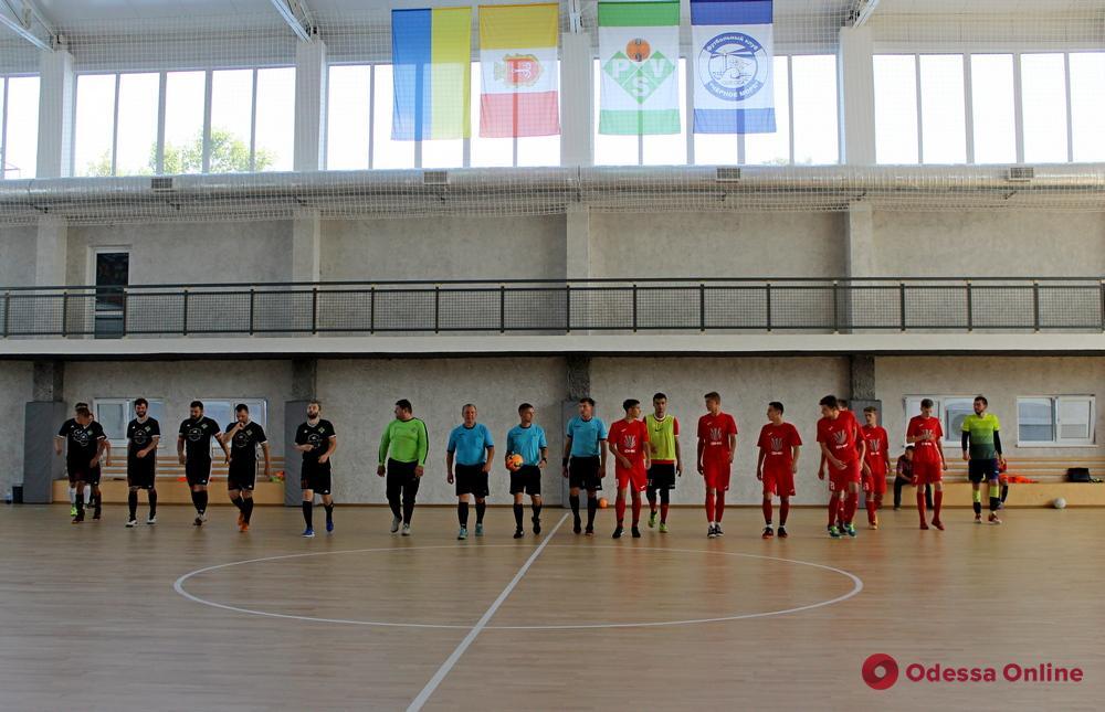 В пригороде Одессы официально открыли новый современный спорткомплекс