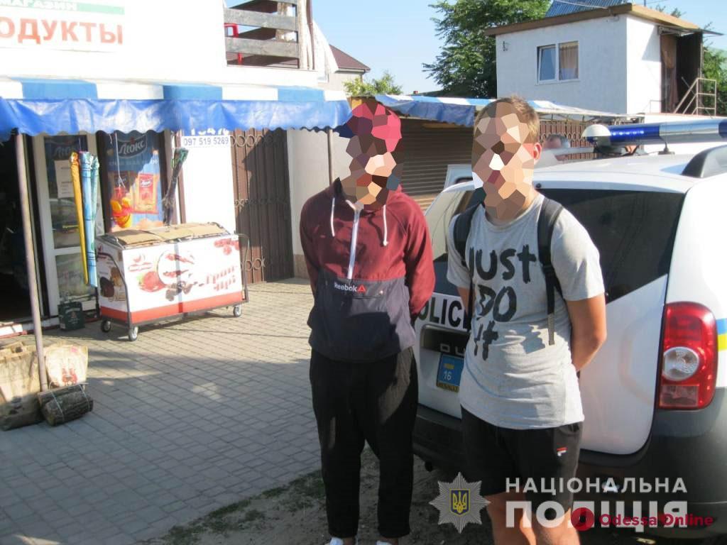 На курорте в Одесской области двое парней ограбили иностранку