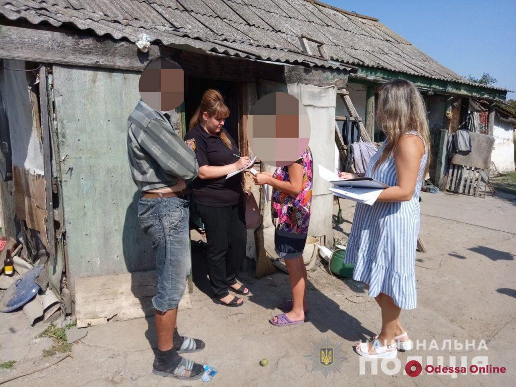 Антисанитария и голодные дети: в Одесской области двух горе-матерей привлекли к ответственности