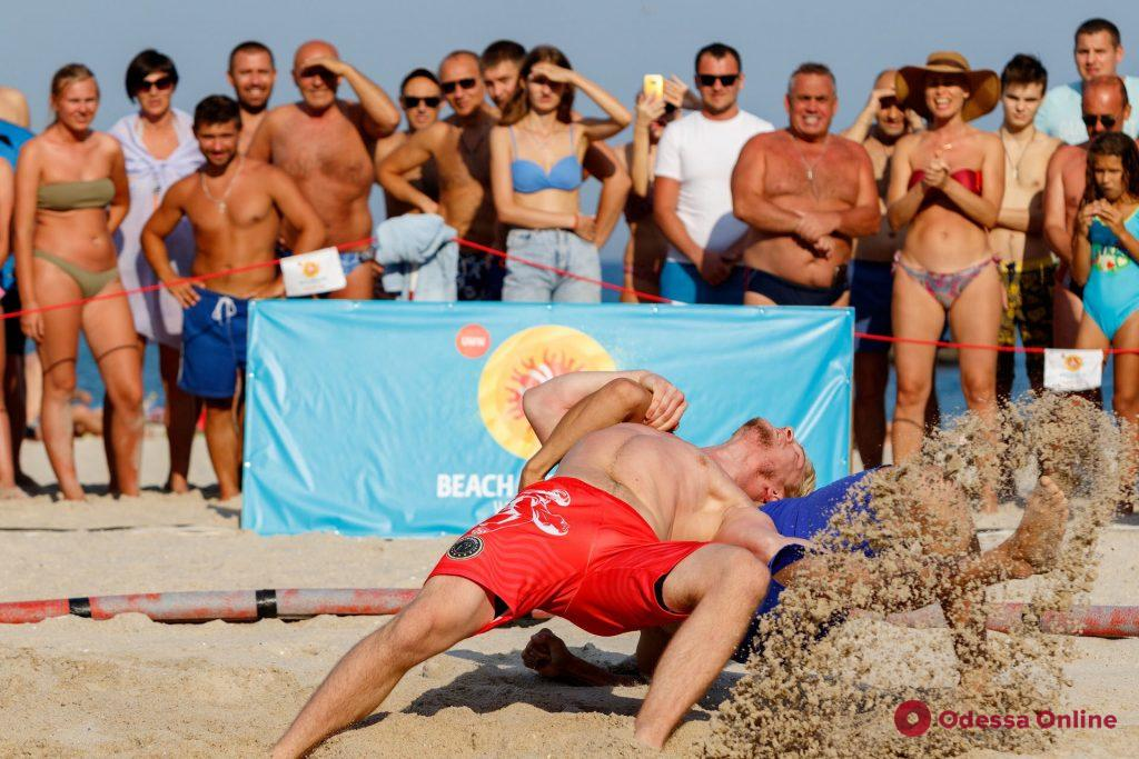 Пляжная борьба: одесситы завоевали 15 медалей домашних турниров мирового уровня