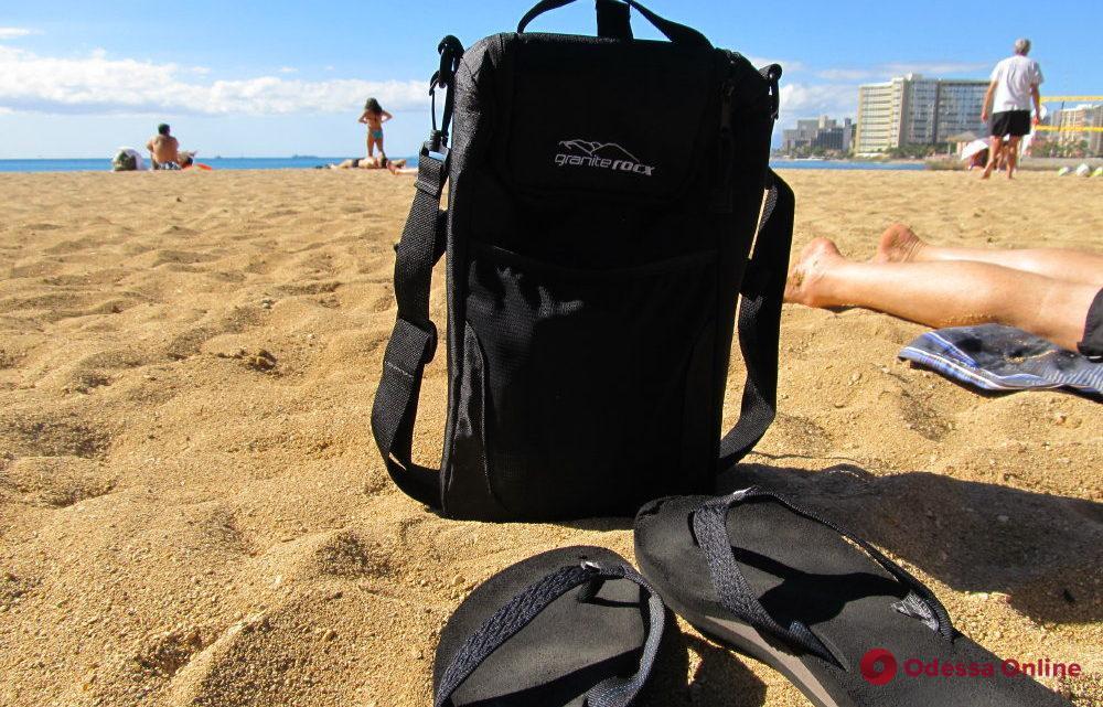В Черноморске пляжники помогли задержать грабителя