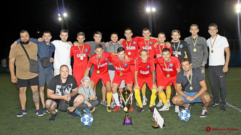 Шесть футболистов любительской команды из Одессы подписали профессиональные контракты