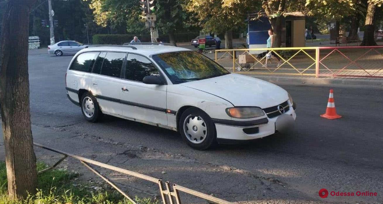 На Черемушках автомобиль сбил 18-летнюю девушку