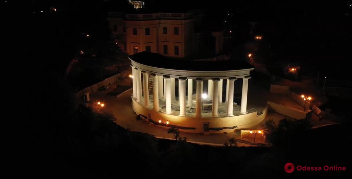 Одесса прекрасна в любое время суток: полет над ночным городом (видео)