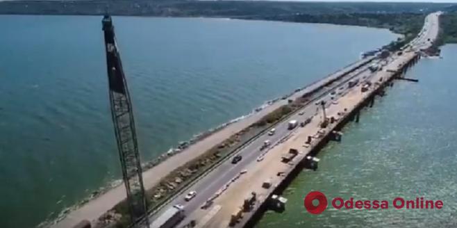 Продолжается капремонт моста через Хаджибейский лиман (видео)