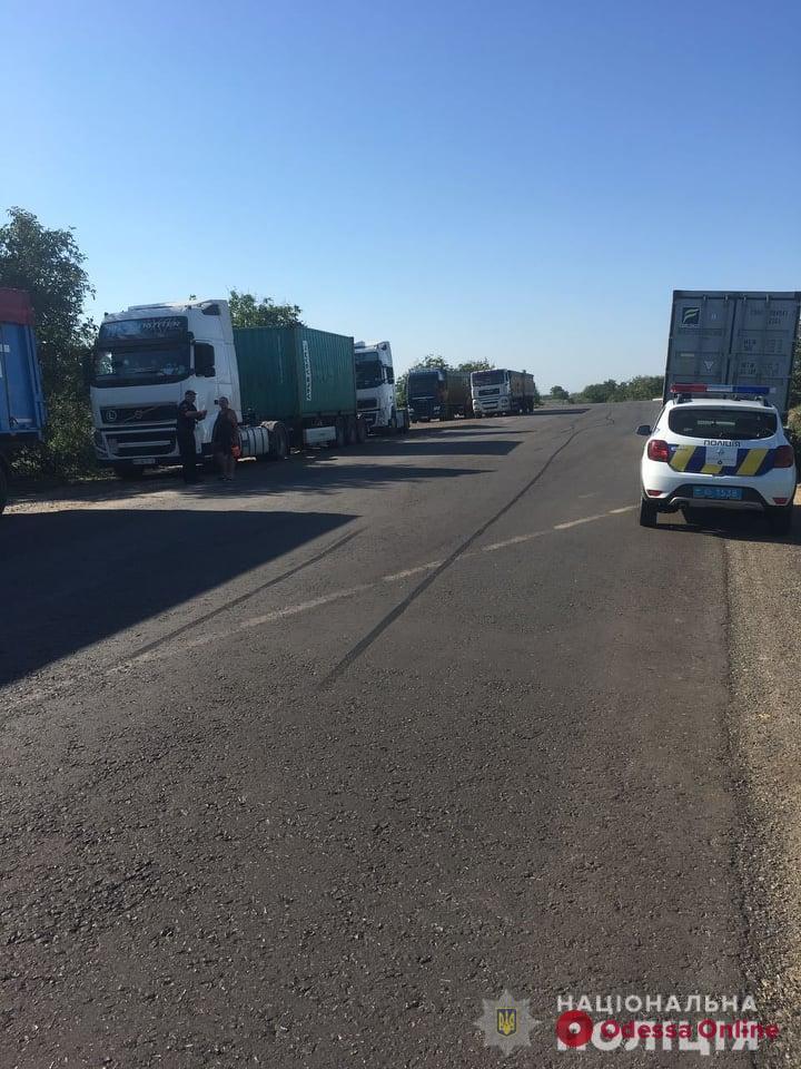 В Одесской область ограничили движения большегрузов для сохранения автодорог