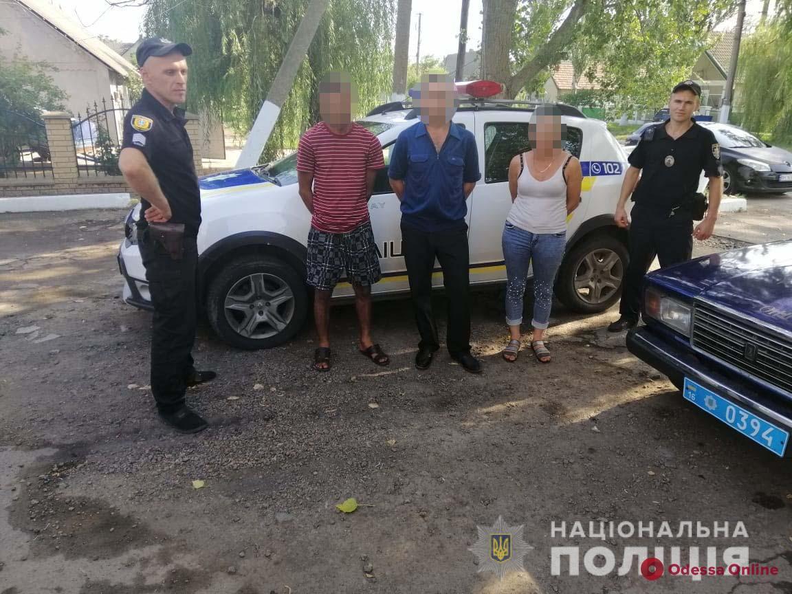 Покупаем пух и перья: в Одесской области поймали криминальное трио