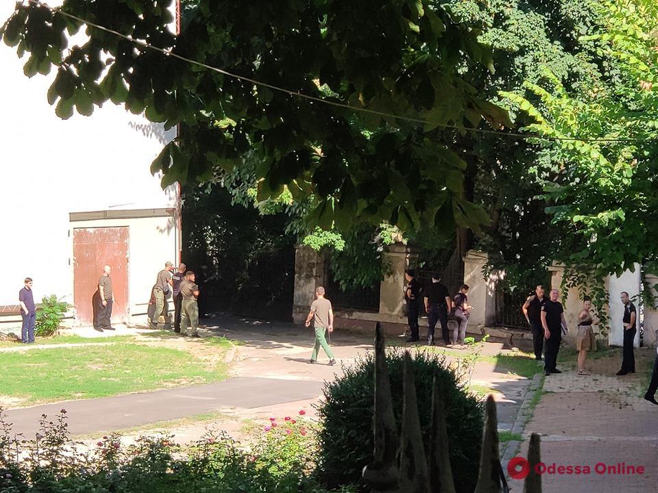 В Одесской мэрии второй раз за день ищут бомбу