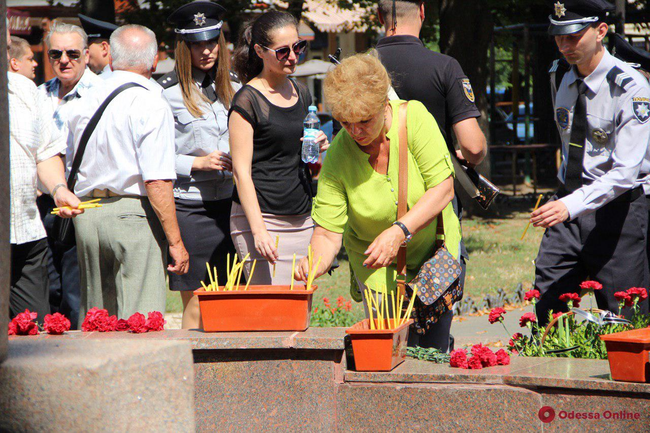 В Одессе почтили память погибших при исполнении правоохранителей (фото)