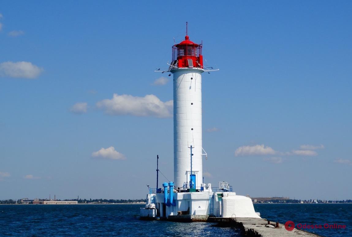 В Одессе капитально отремонтировали Воронцовский маяк (фото)