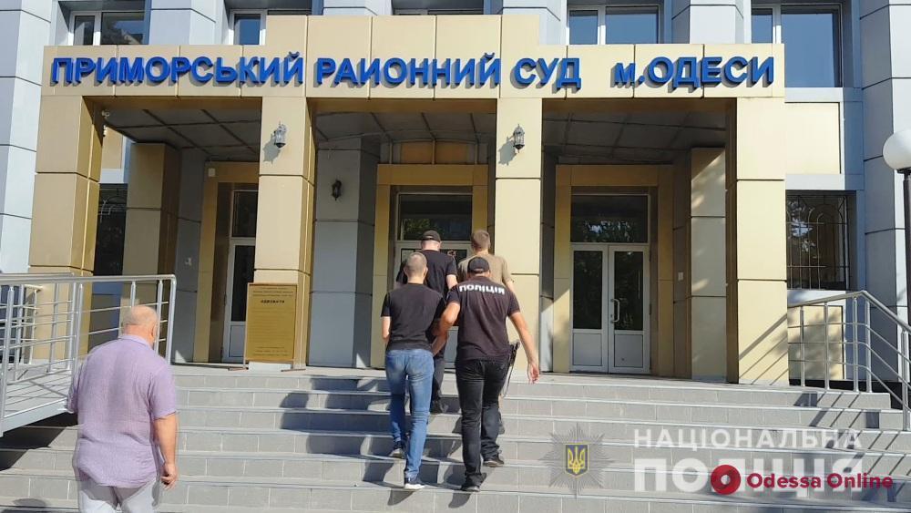 Нападали на женщин: в Одессе задержали двух серийных грабителей