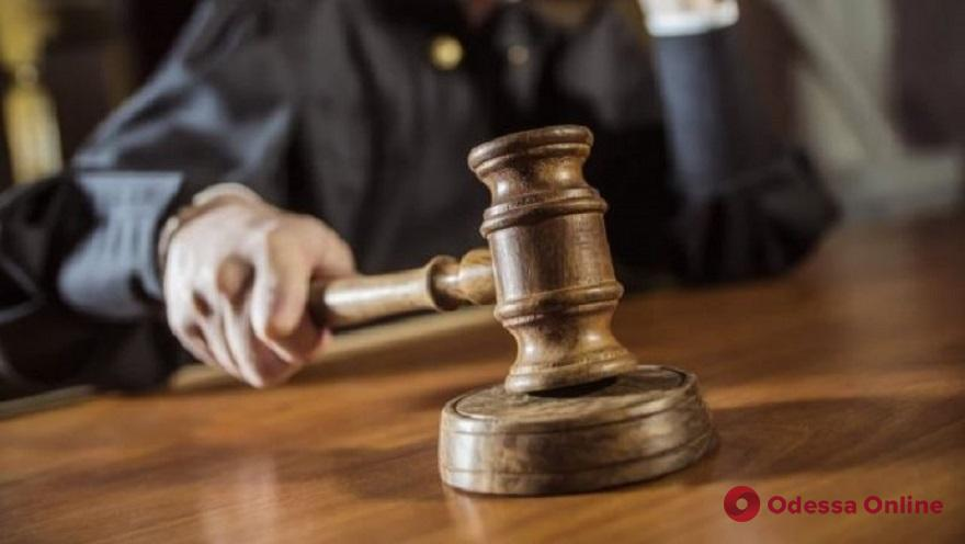 Одессит заплатит крупный штраф за нападение на патрульного