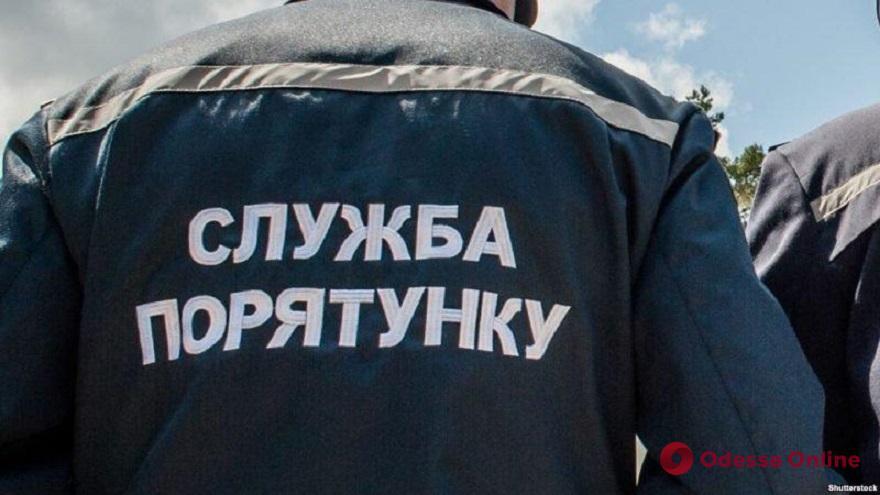 Последствия непогоды в Одесской области: застрявшая на бездорожье «скорая» и упавшие деревья