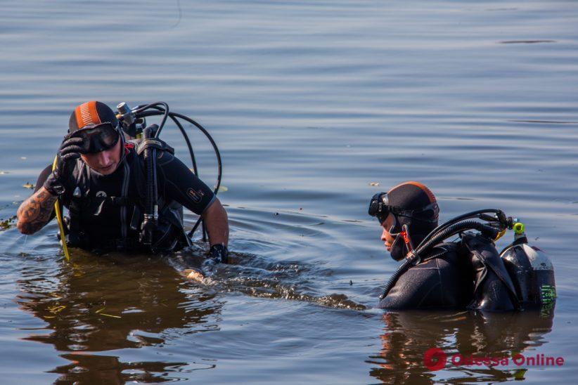 Ушел купаться и не вернулся: в Затоке ищут пропавшего в море парня