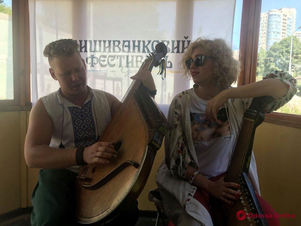 Свадьба за час, ретро-трамвай и бандуристы: в Одессе пройдет Вышиванковый фестиваль