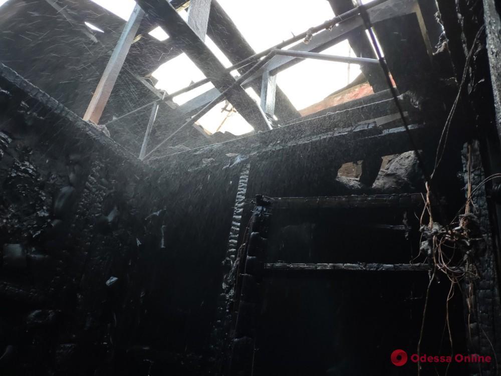 В Одесской области сгорели подсобки магазина