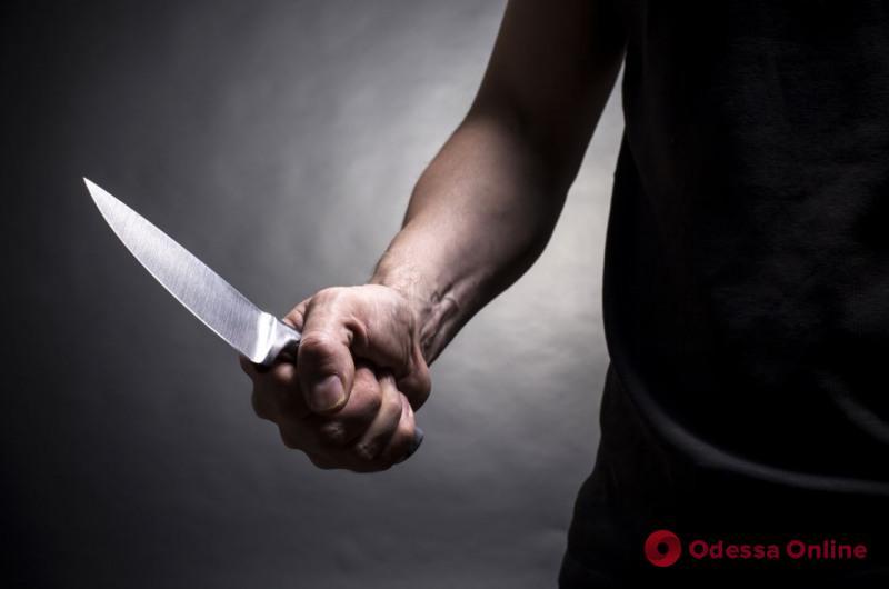 Одесская область: из СИЗО выпустили парня, который нанес бывшей девушке 19 ножевых ранений
