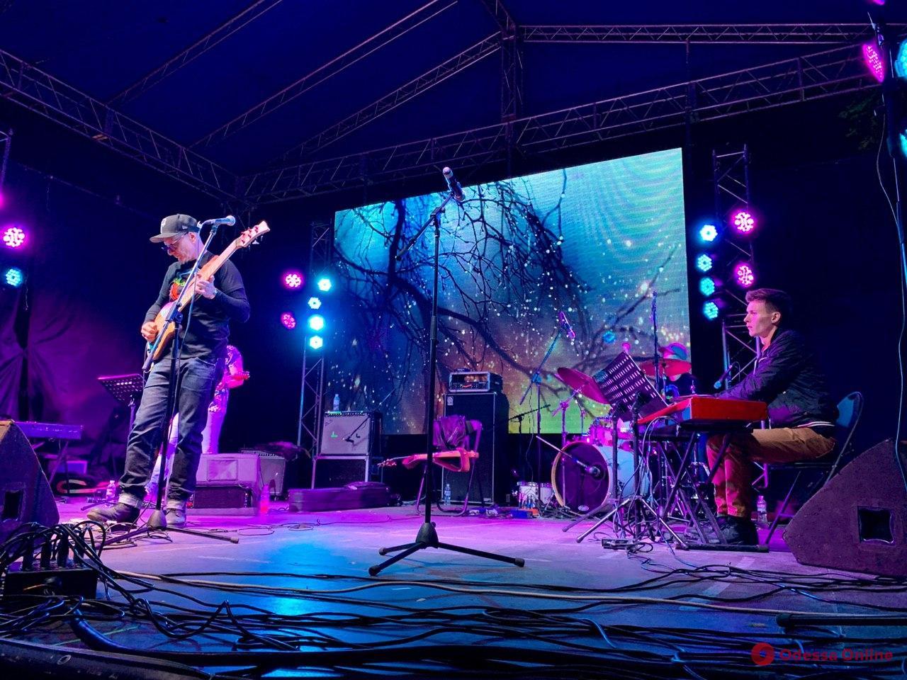 Odessa JazzFest открылся концертом под открытым небом (фоторепортаж)