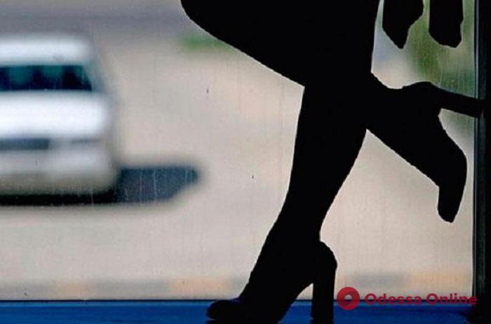 Вербовал для секс-услуг: в Одессе сутенера отправили за решетку