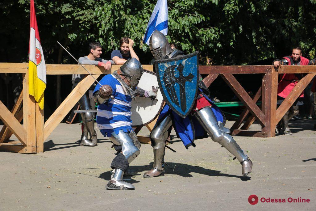 В парке Шевченко одесситы смогли окунуться в атмосферу средневековья (фото)