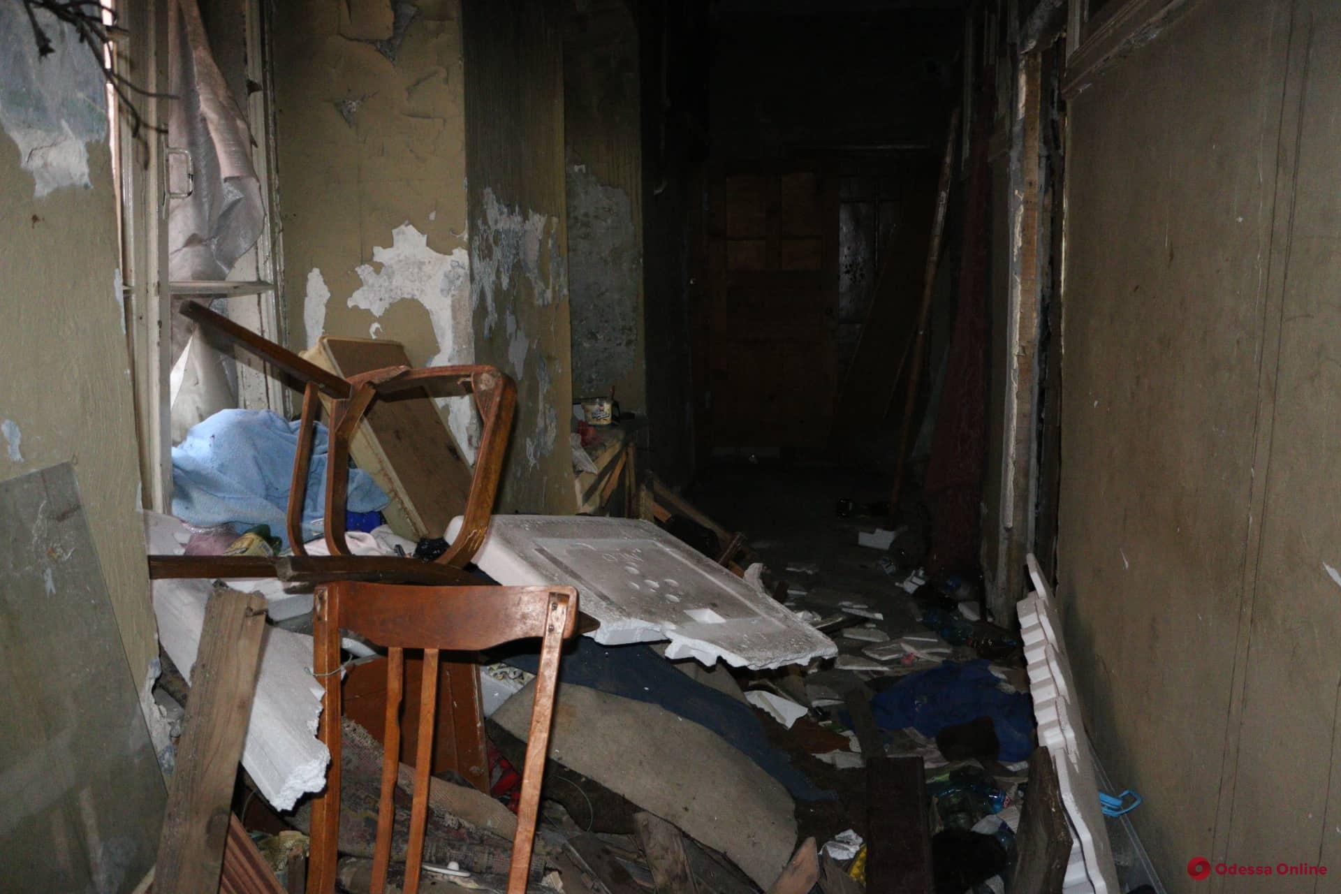Фото после пожара: как выглядит горевшая квартира в доме Либмана