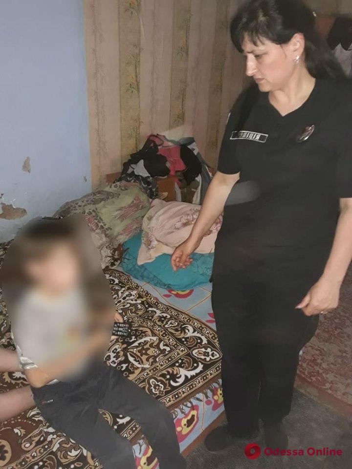 В Одесской области горе-родителей привлекли к ответственности за пьянство и антисанитарию