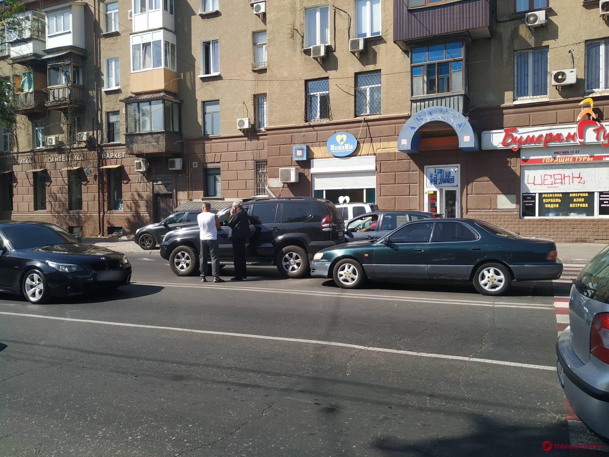 Из-за ДТП на Среднефонтанской образовалась пробка (фото)