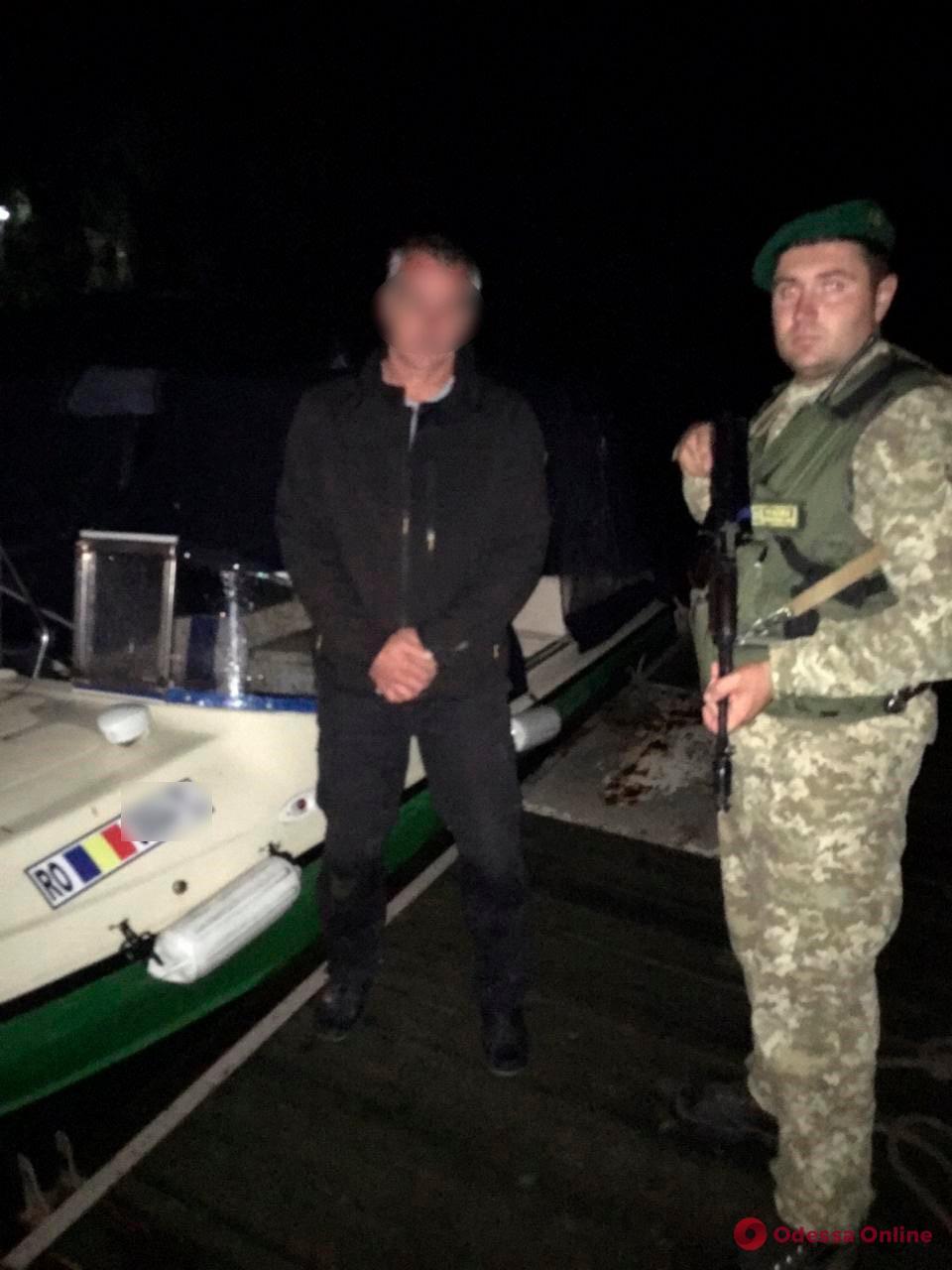 Измаильские пограничники с погоней задержали на Дунае румынский катер