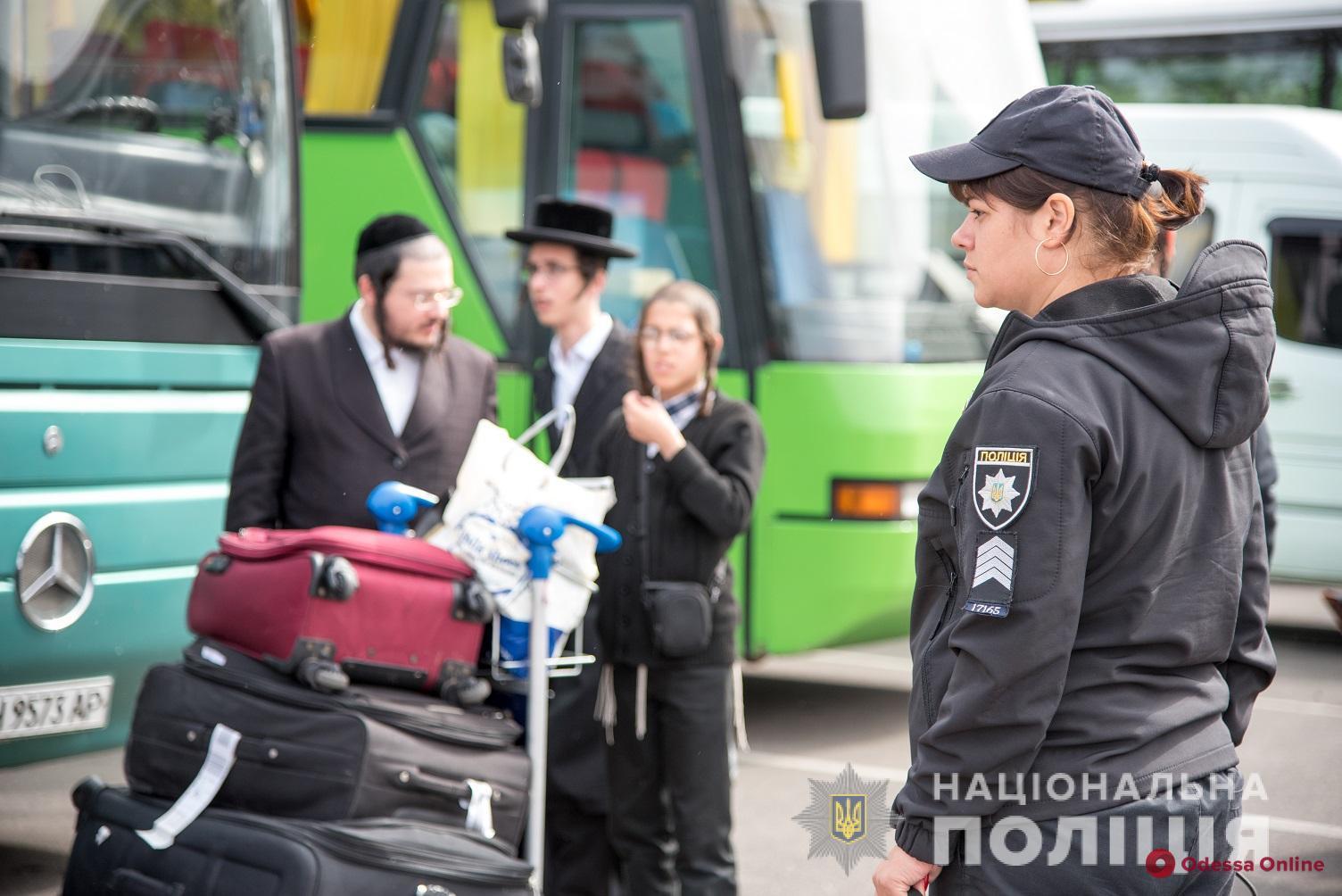 В Одесский аэропорт прибывают паломники-хасиды