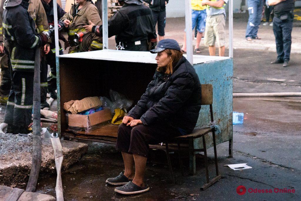 Одесса: на Черемушках горит рынок
