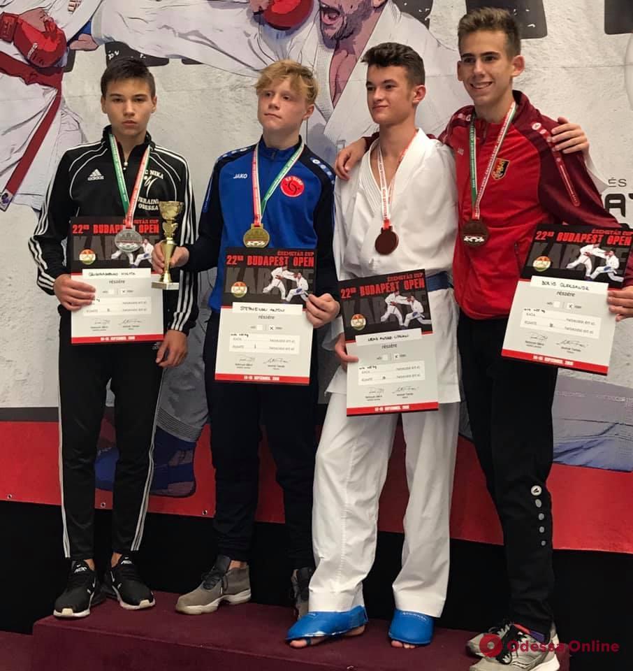 Каратэ: одесситы привезли 46 медалей с международного турнира в Венгрии