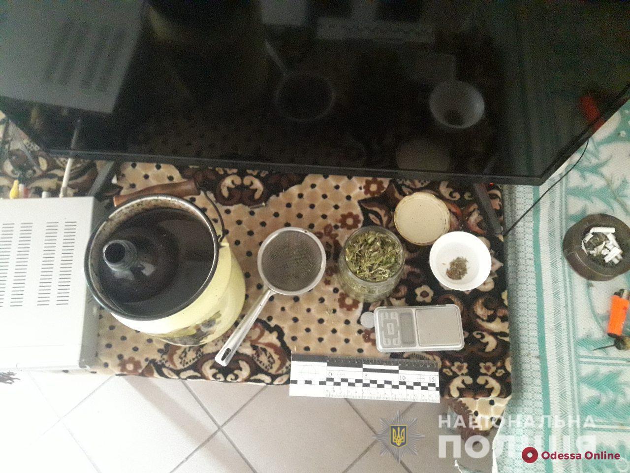 У жителя Одесской области нашли пистолет и наркотики