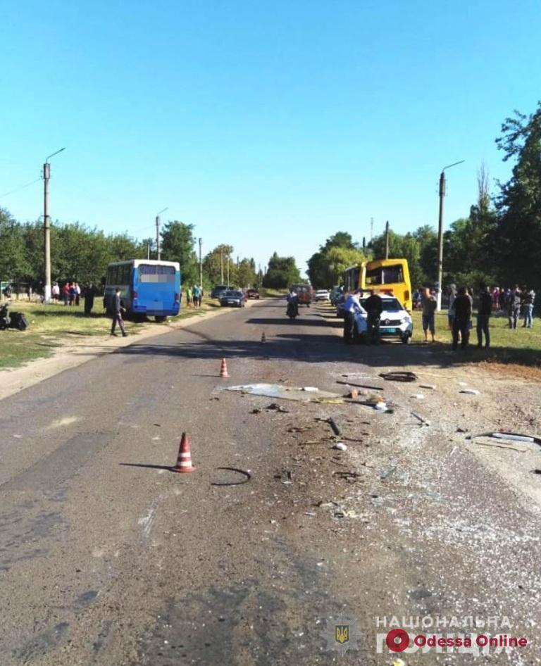 В Одесской области столкнулись два пассажирских автобуса (обновлено, фото)