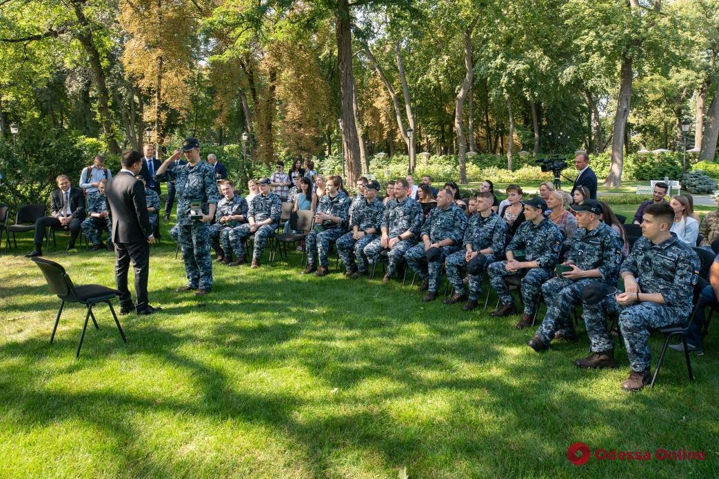 В Одессе выделят жилье освобожденным из плена морякам