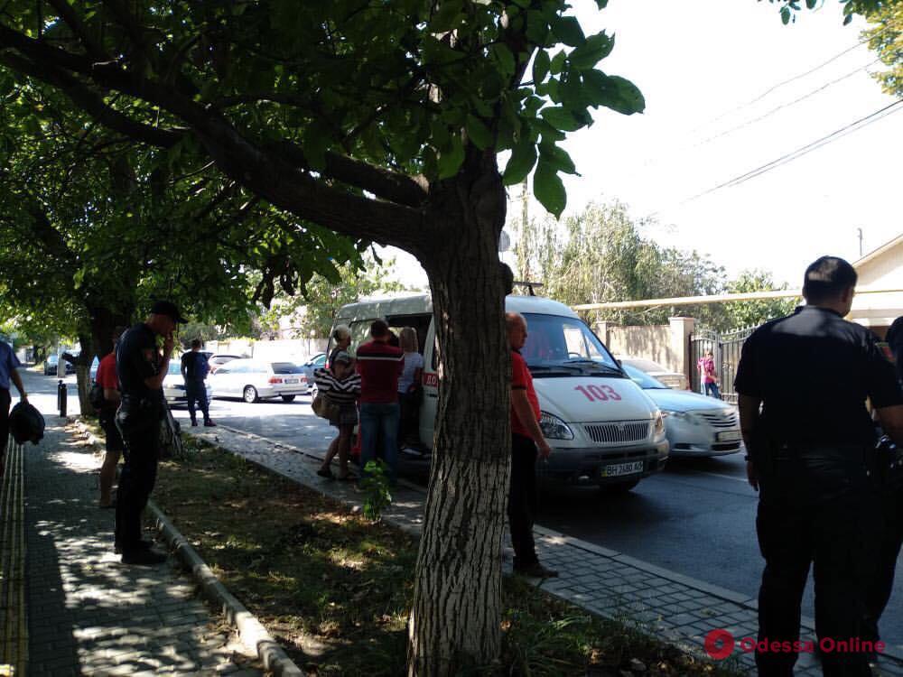 Авария на Фонтанской дороге заблокировала движение трамваев (обновлено)