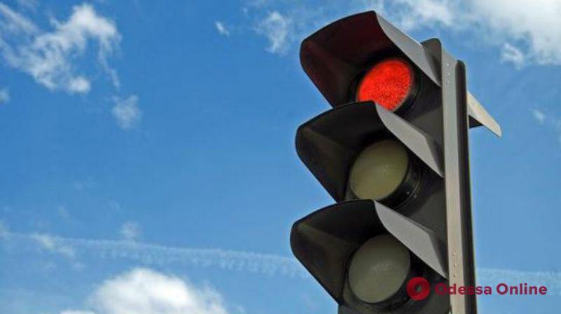 В Одессе «заговорят» еще 36 светофоров