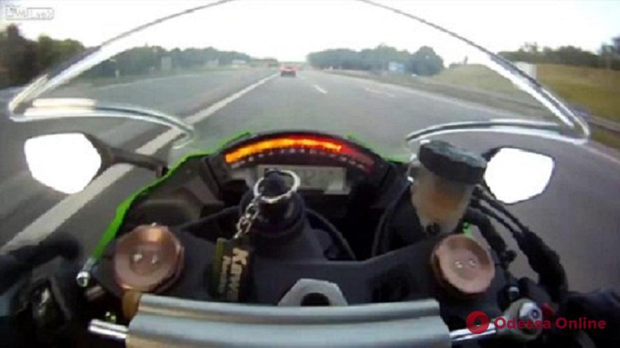 В ДТП на Посмитного пострадал мотоциклист