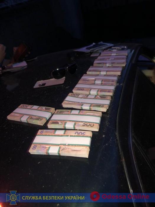 Мошенник под видом СБУшника вымогал у одесского врача 50 тысяч долларов