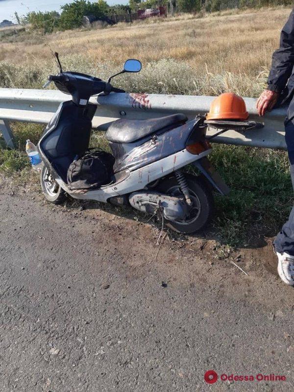 На трассе Киев-Одесса пострадал пенсионер на мопеде