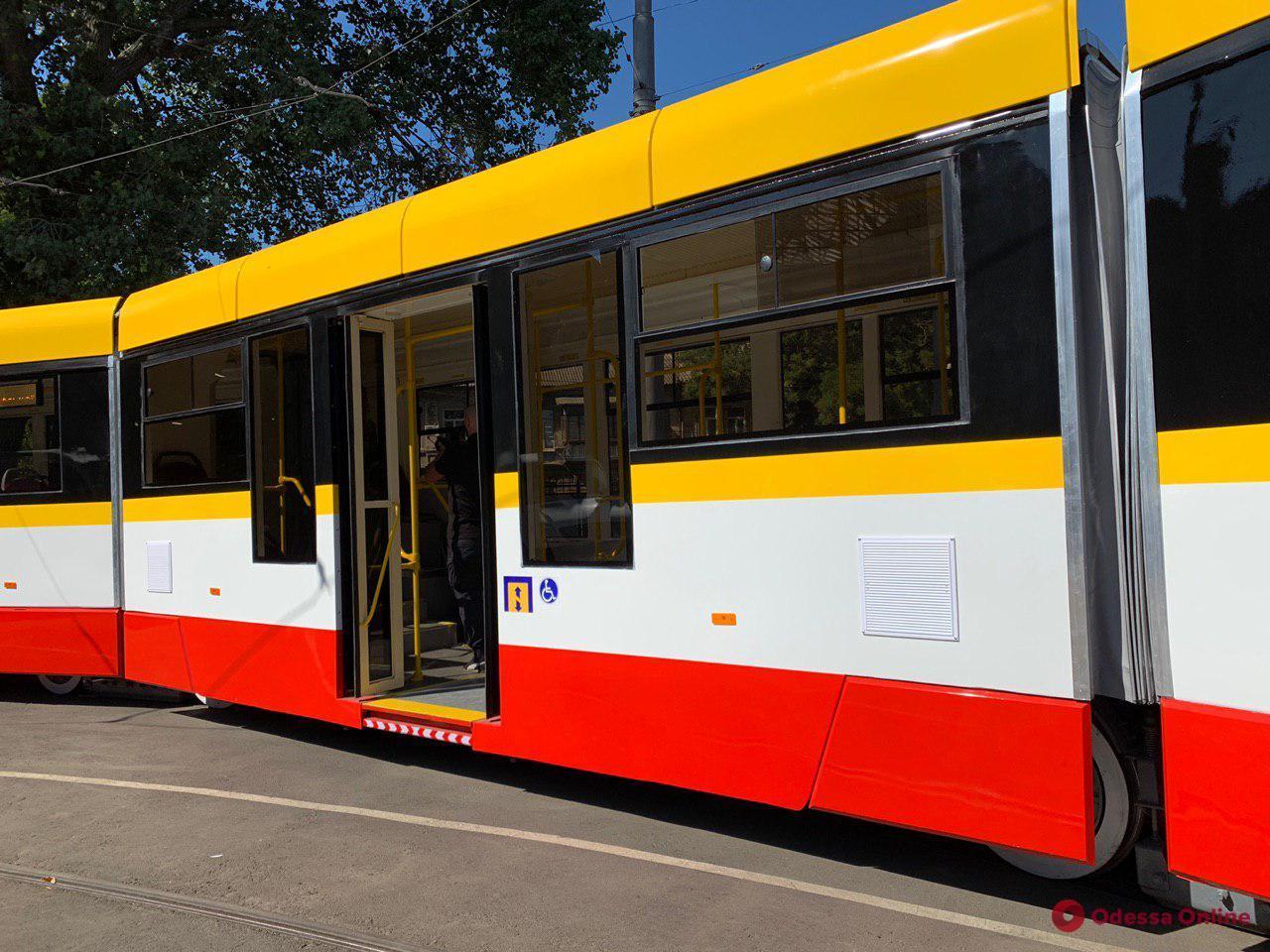 В «Одесгорэлектротрансе» рассказали, когда соберут второй трехсекционный трамвай