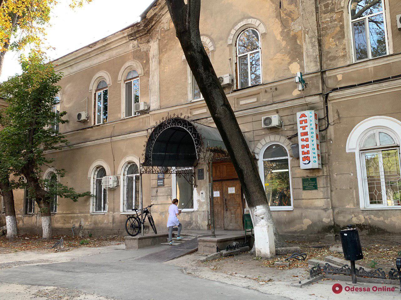 Капремонт отделения реанимации Еврейской больницы завершат к концу октября