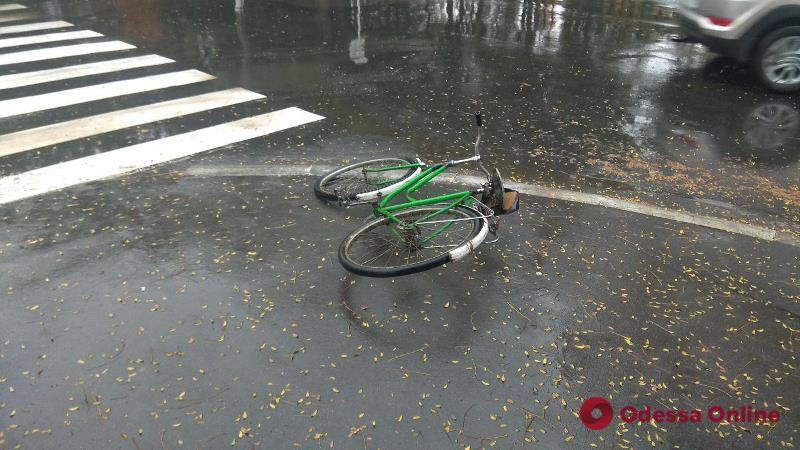 В Измаиле внедорожник сбил велосипедистку