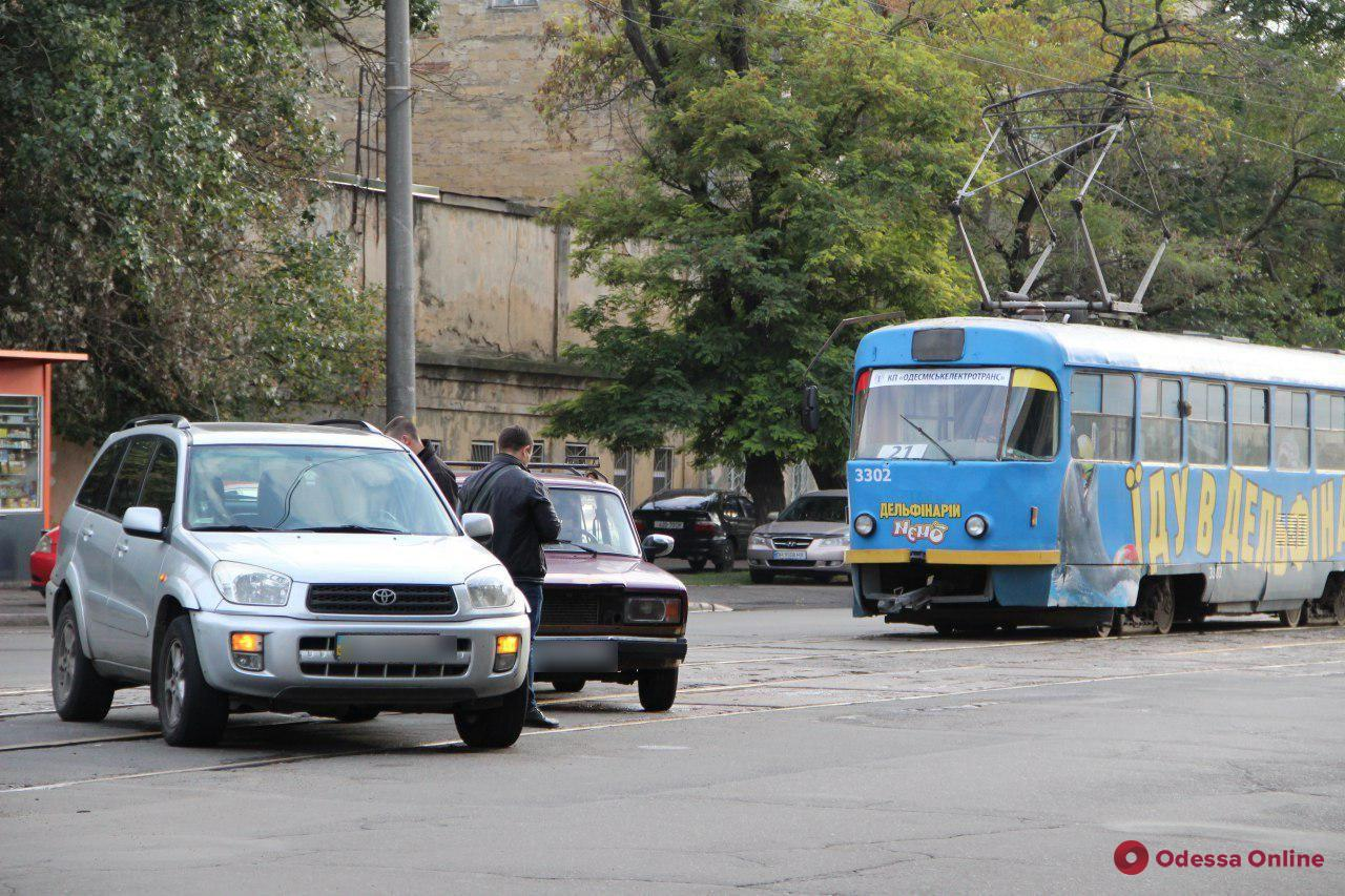 Авария на Молдаванке заблокировала движение трамваев