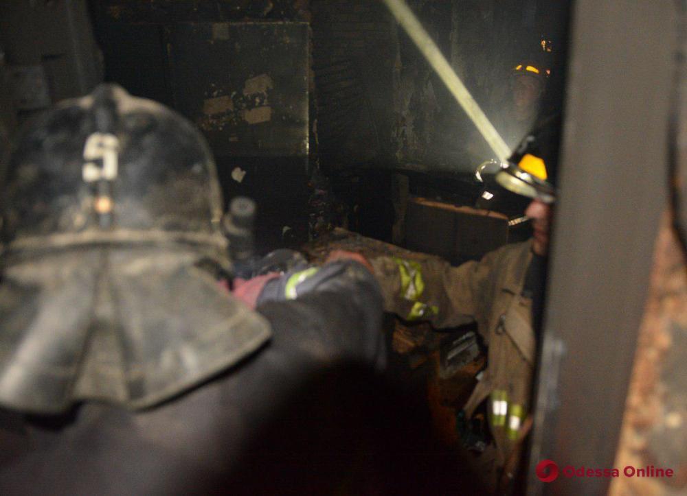 На поселке Котовского горело общежитие