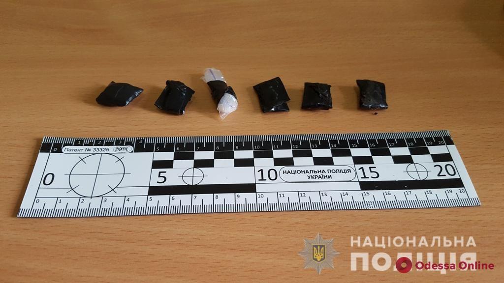 В центре Одессы поймали закладчика «за работой»