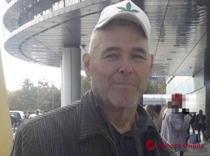Одесса: полиция просит установить личность мужчины