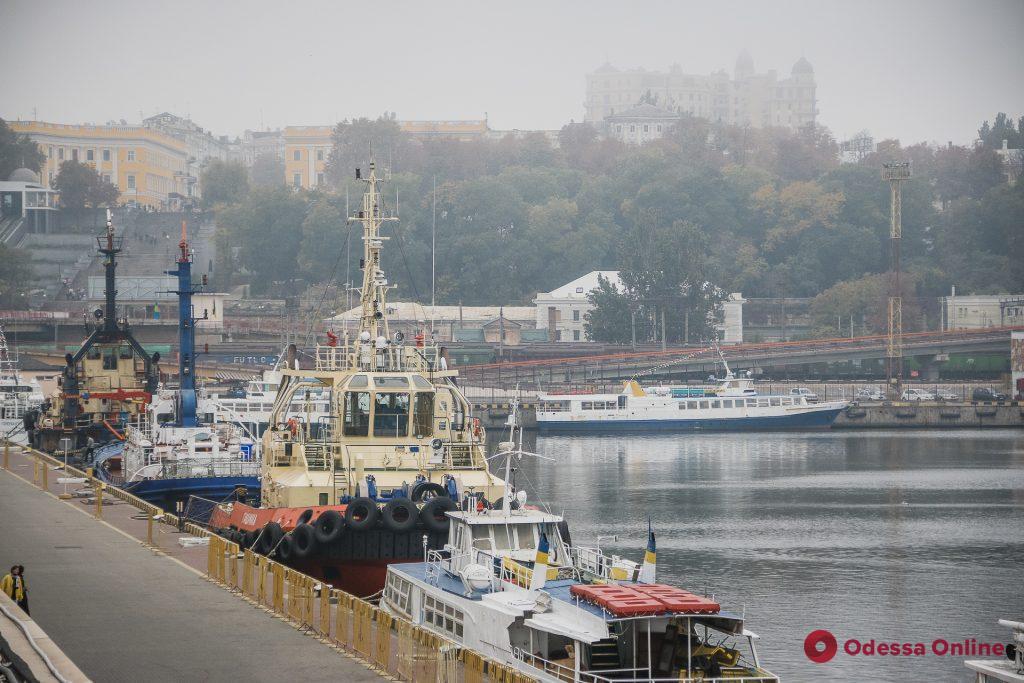Утренняя Одесса в осеннем тумане (фоторепортаж)